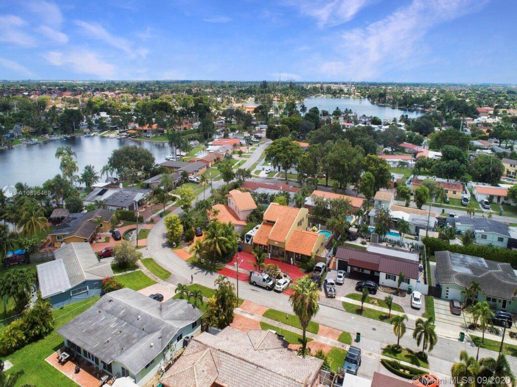 Palm Springs North FL-Florida Metal Roofers of Hialeah